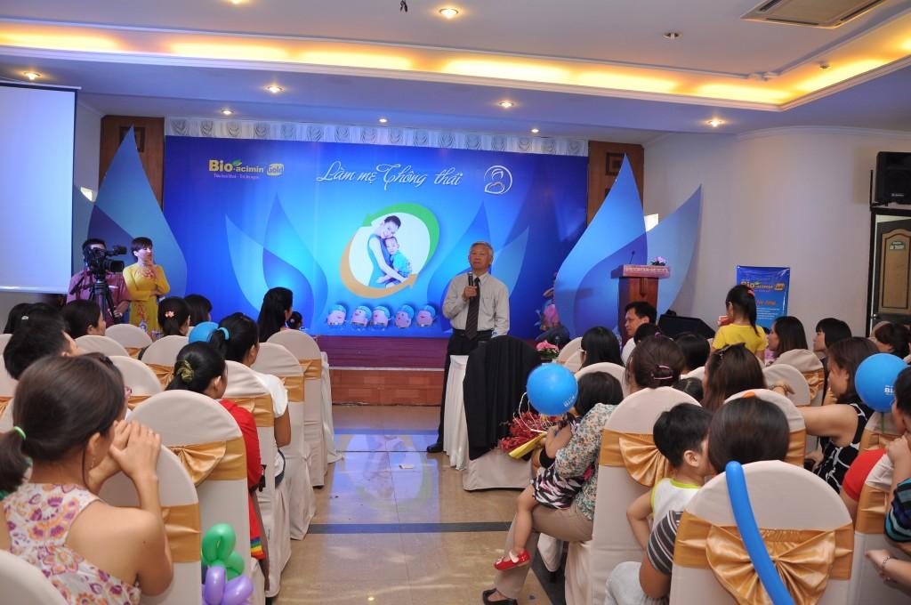 GS BS Nguyễn Gia Khánh trả lời giao lưu