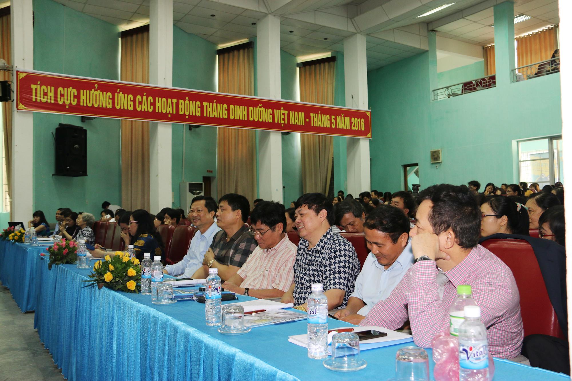 Hơn 200 đại biểu đến tham dự Hội nghị Dinh dưỡng lâm sàng các tỉnh phía Bắc