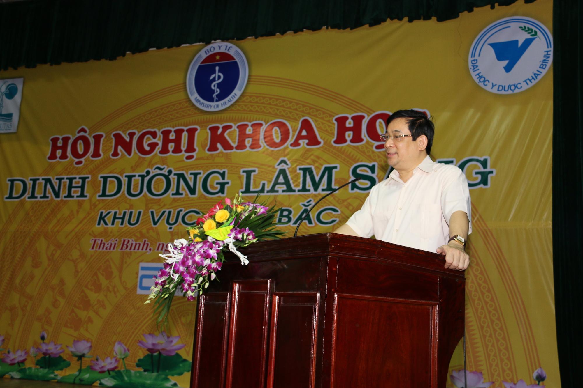 PGS.TS. Lương Ngọc Khuê – Cục trưởng Cục Quản lý Khám chữa bệnh phát biểu khai mạc hội nghị
