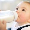 Những lưu ý khi dùng sữa cho trẻ bị táo bón