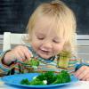 Để tránh táo bón, trẻ nhỏ cần bao nhiêu chất xơ 1 ngày?
