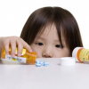 Trẻ bị tiêu chảy khi uống thuốc kháng sinh: Mẹ nên làm gì?