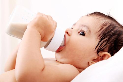Nguyên nhân và cách xử trí nôn trớ ở trẻ -4
