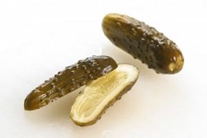 Nhung thuc pham giau probiotic - dua chuot muoi