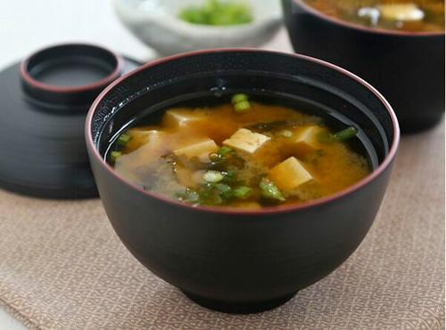 Nhung thuc pham giau probiotic - sup miso