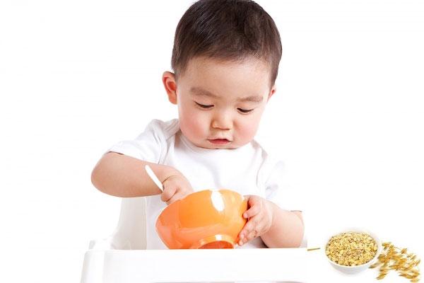 Kết quả hình ảnh cho bé ăn ngon miệng
