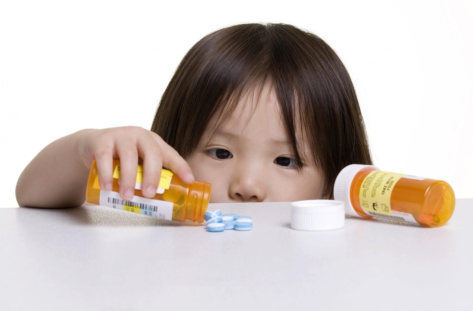 Bioacimin - 03 - June - Phải làm sao khi bé đi ra phân sống2