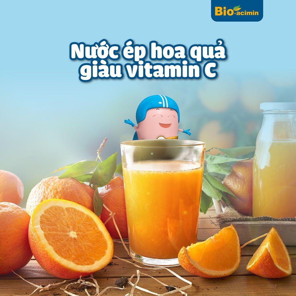 nước ép hoa quả giàu vitamin c giúp con tăng cường sức đề kháng